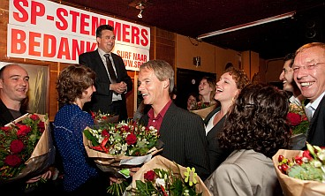 15 newly elected representatives recieve flowers