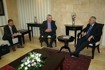Senator Kox in talks with Palestinian Prime Minister Salam Fayyad