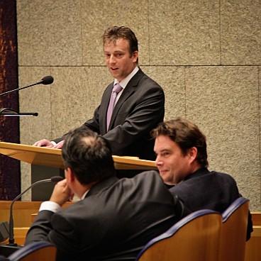 Arnold Merkies adressing Parliament